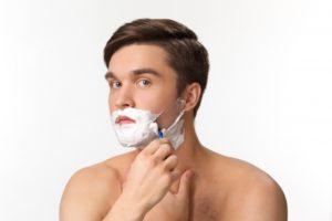 髭剃り 面倒