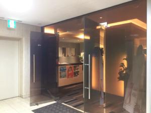 メンズTBC 新宿本店 入口